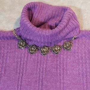 Requirements size large turtle neck